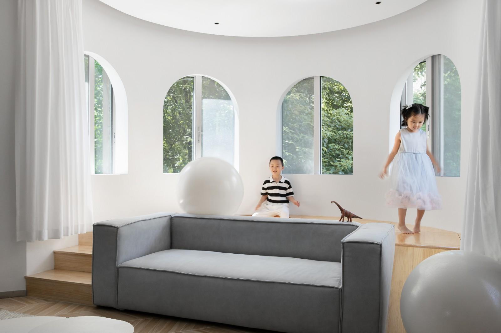 176㎡去客廳極簡設計,榻榻米加上滑滑梯孩子們的自由生長傢插图11