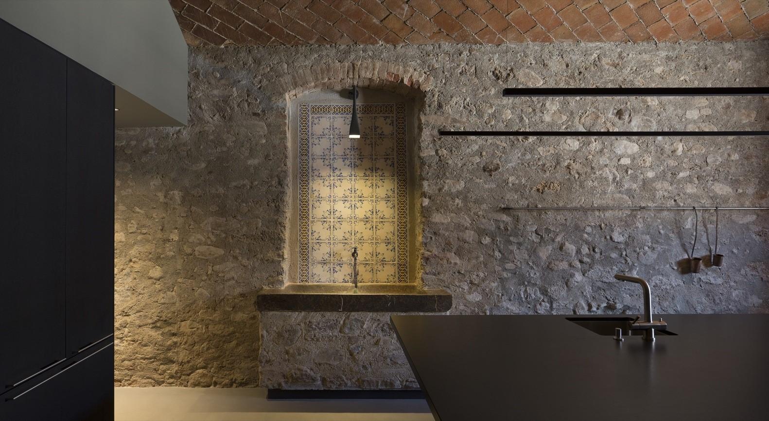聖馬提住宅,金屬回廊平衡新與舊的關系 / Francesc Rifé Studio插图(7)