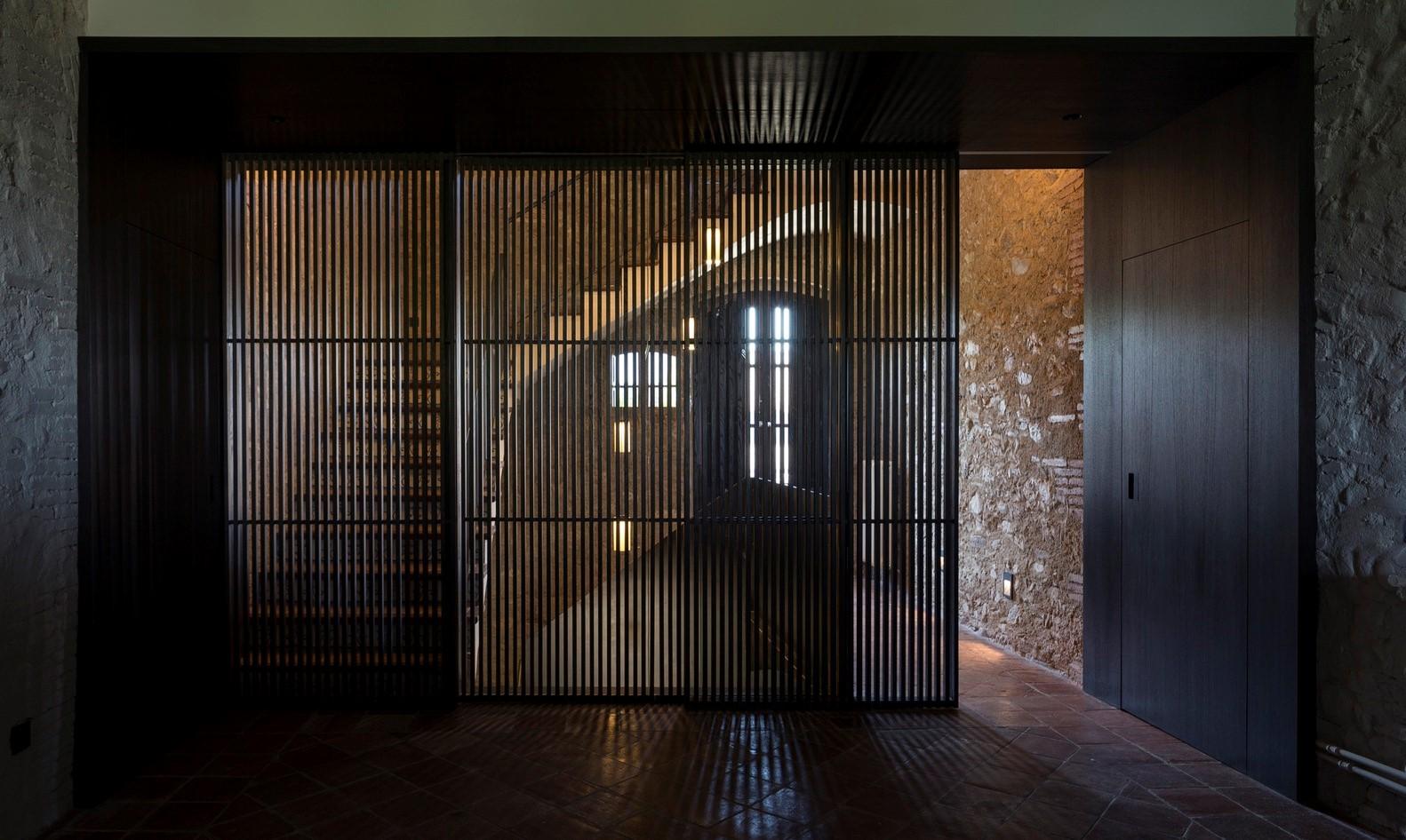 聖馬提住宅,金屬回廊平衡新與舊的關系 / Francesc Rifé Studio插图(12)