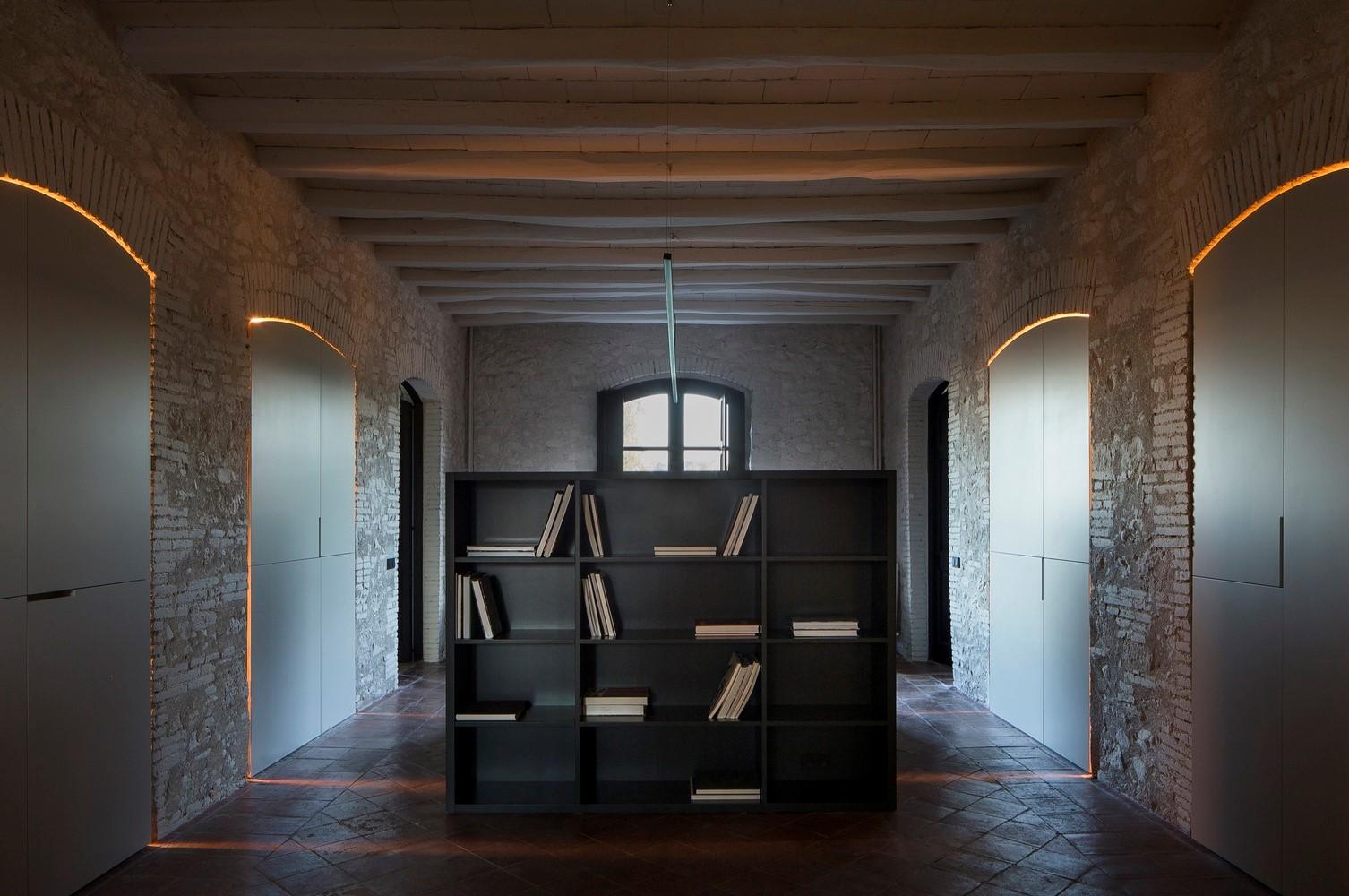 聖馬提住宅,金屬回廊平衡新與舊的關系 / Francesc Rifé Studio插图(13)