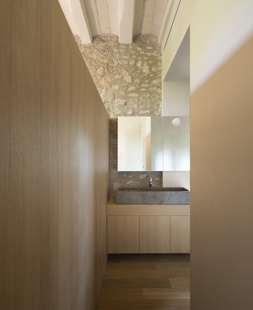 聖馬提住宅,金屬回廊平衡新與舊的關系 / Francesc Rifé Studio插图(15)