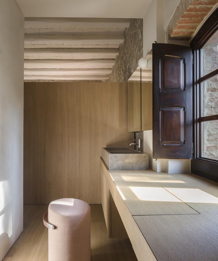 聖馬提住宅,金屬回廊平衡新與舊的關系 / Francesc Rifé Studio插图(16)