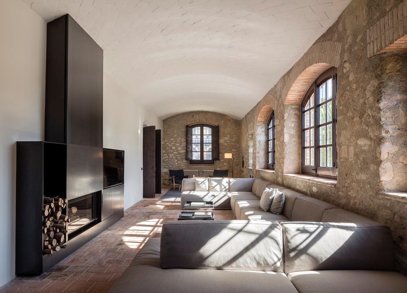 聖馬提住宅,金屬回廊平衡新與舊的關系 / Francesc Rifé Studio插图(17)