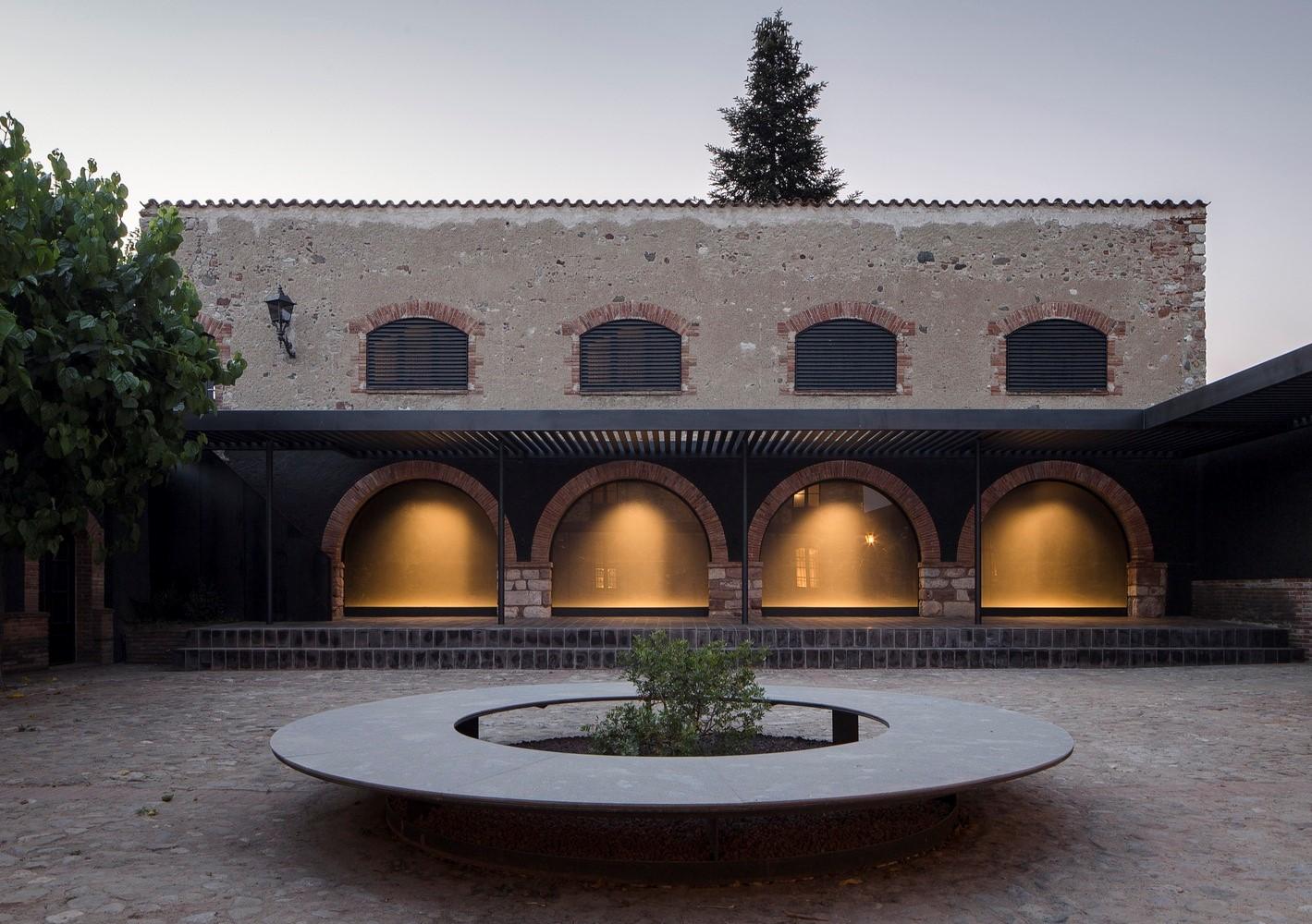 聖馬提住宅,金屬回廊平衡新與舊的關系 / Francesc Rifé Studio插图(22)
