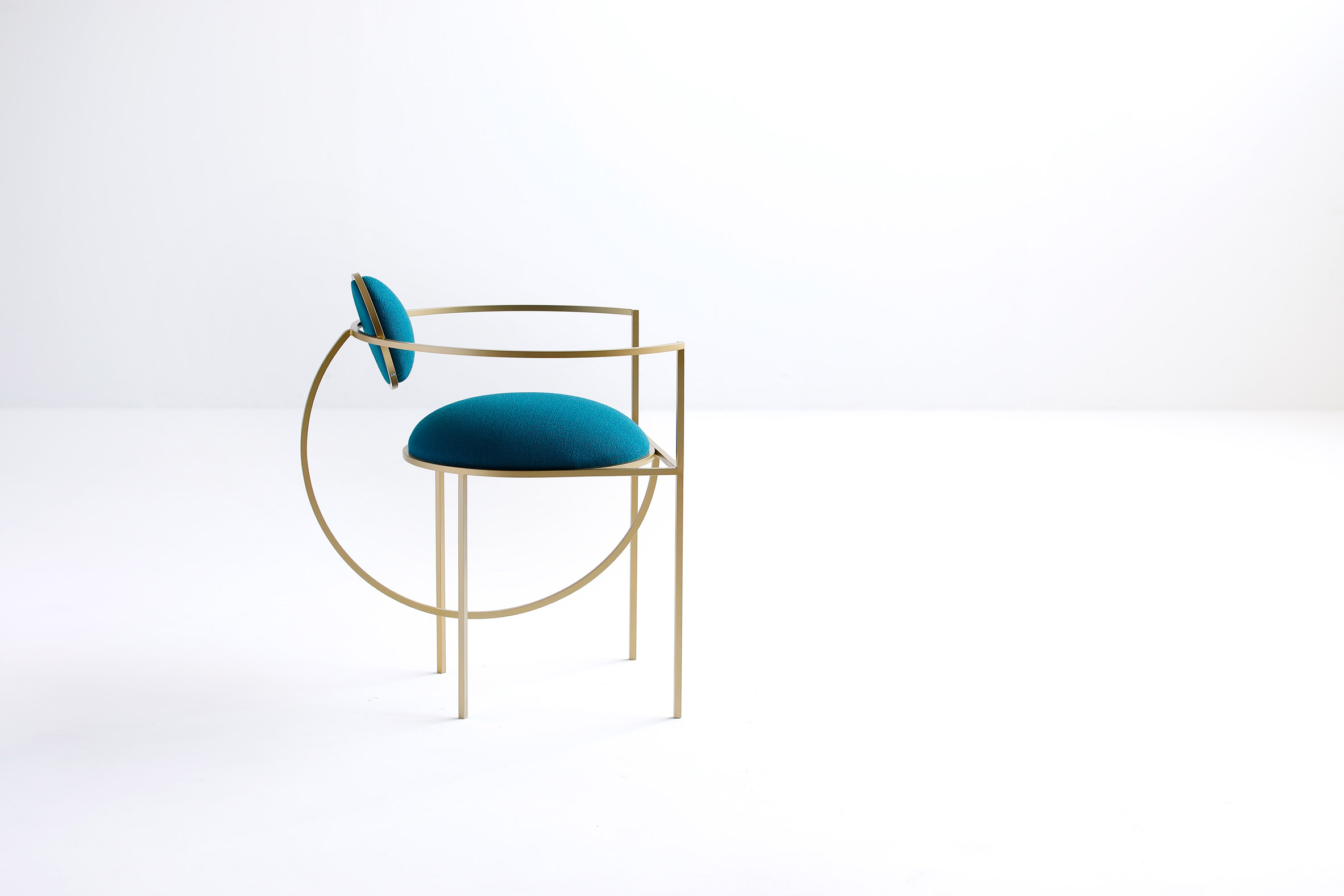 Lara Bohinc takes cues from celestial forms for first seating collection插图1