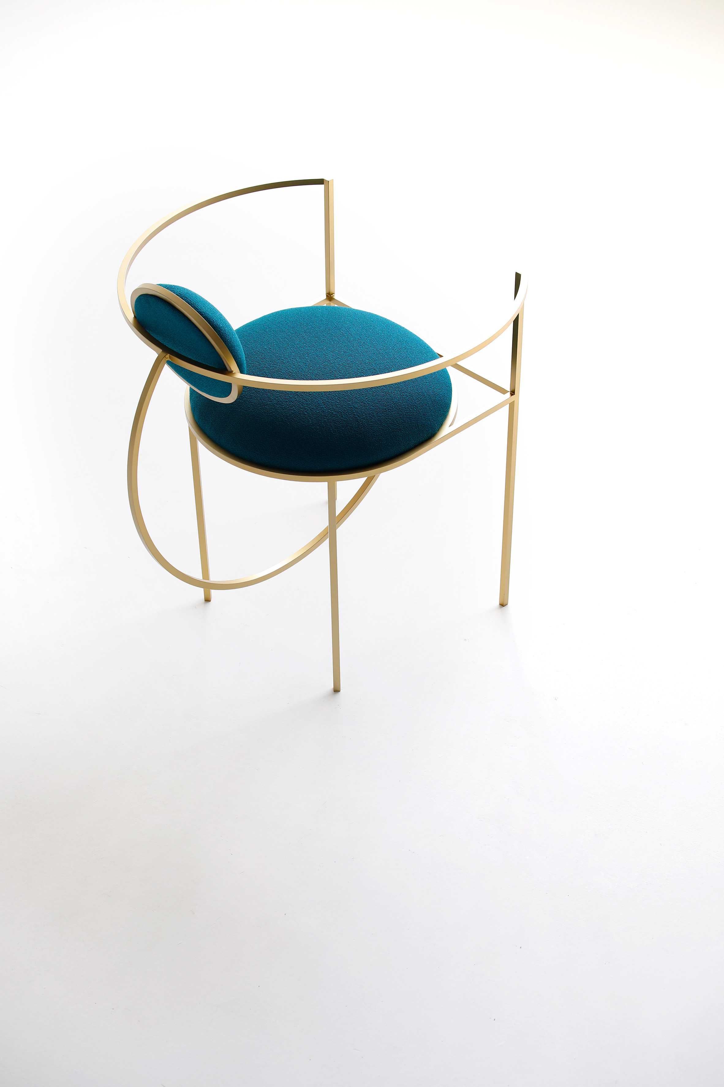 Lara Bohinc takes cues from celestial forms for first seating collection插图2